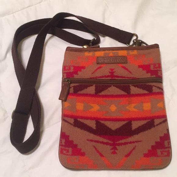 676eff0c9c Pendleton cross body purse. M 5a4ae6eba4c4850cdd06b088
